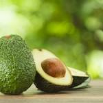 КАК ДА: Отгледаме дърво от семка на авокадо